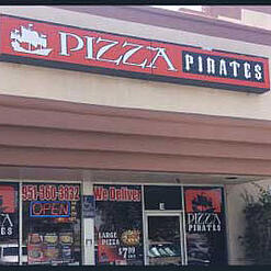 Pizza Pirates front of the building